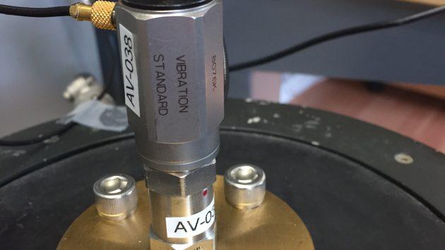 Versnellingsopnemer kalibratie